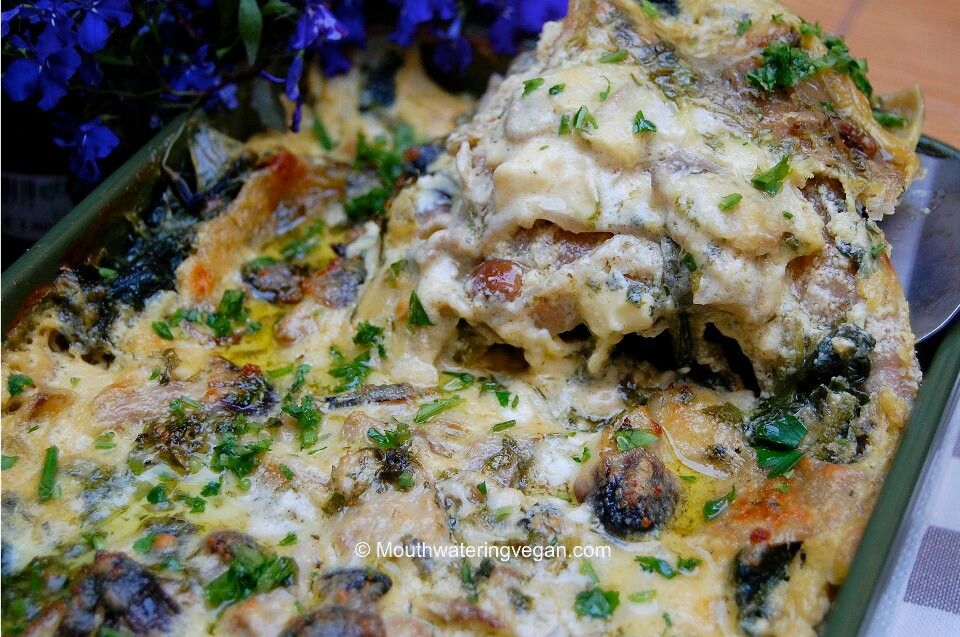 Mushroom and spinach lasagna. Vegan. | yum yum recipes | Pinterest