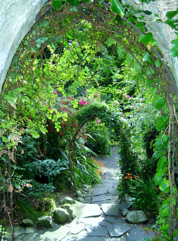 Steps To The Garden Beautiful Gardens Hidden Garden Garden Inspiration