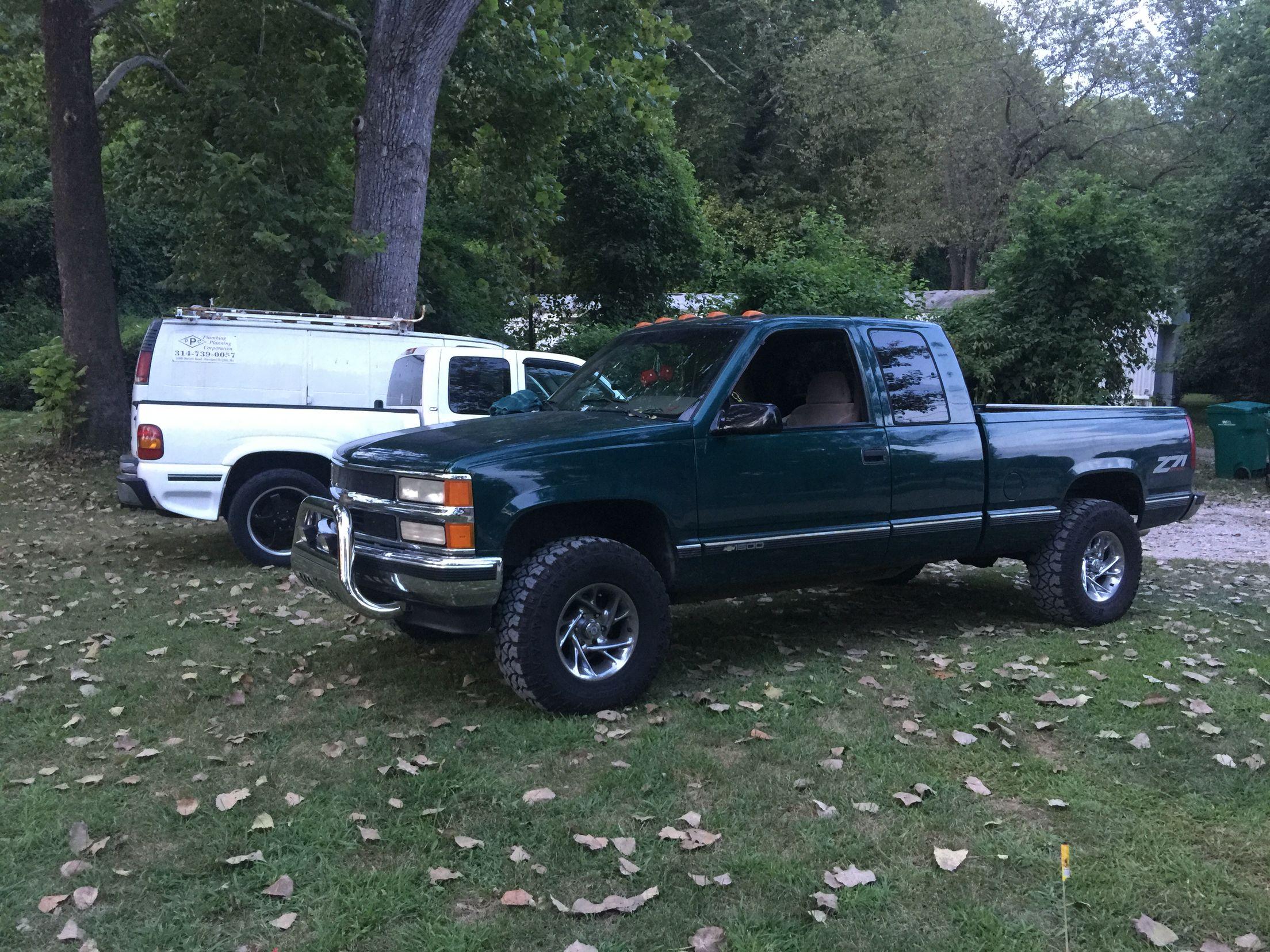 1995 k1500 silverado 33s 3 inch lift lifted chevy trucks chevrolet trucks chevy silverado [ 2208 x 1656 Pixel ]