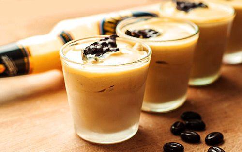 edles eierlik r parfait 39 39 verpoorten espresso eisparfait 39 39 nachtisch mit eierlik r food. Black Bedroom Furniture Sets. Home Design Ideas