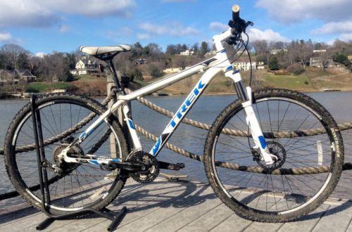 Trek Mamba 29er Mountain Bike Medium Frame Hydraulic Disc Brakes 27 Speed 29er Mountain Bikes Mountain Biking Mamba