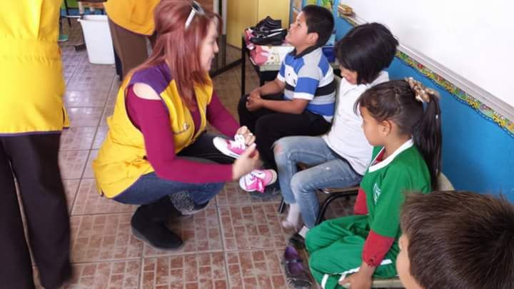 Nuevo Casas Grandes Paquimeitas #LionsClub (México) gave new shoes to over 100 children