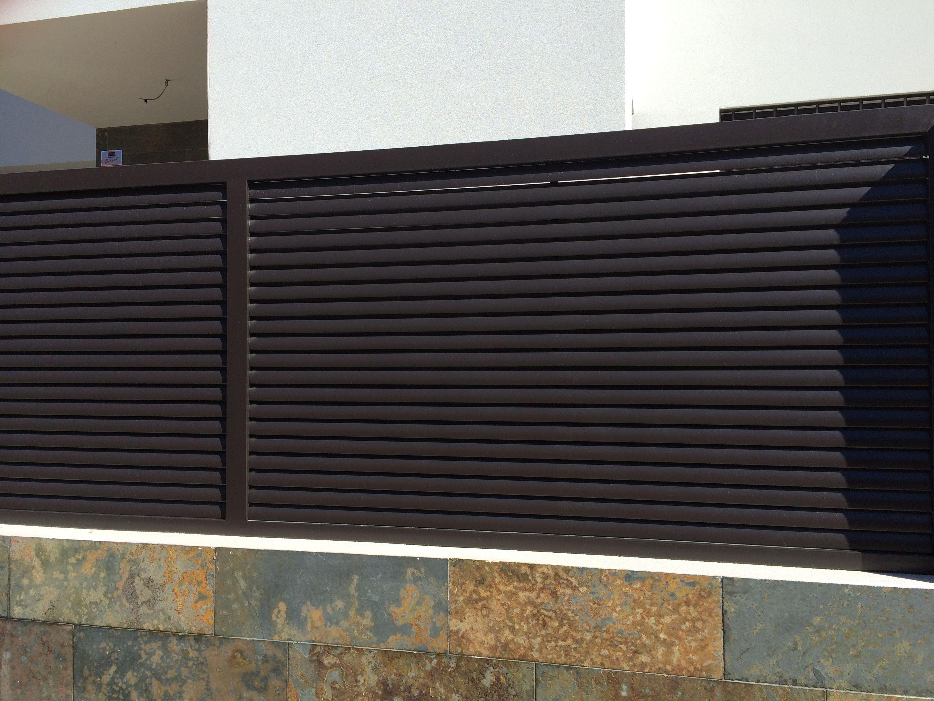 Celos a metalica moderna valla exterior metalica - Celosias de hierro ...