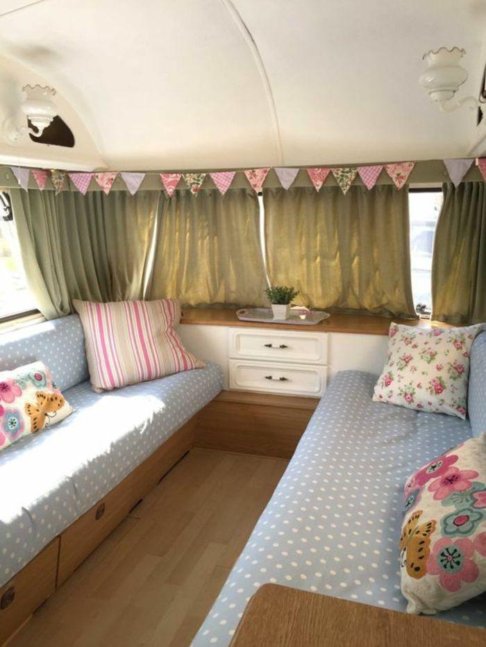 1001 bonnes raisons pour vivre en caravane mobile caravane. Black Bedroom Furniture Sets. Home Design Ideas