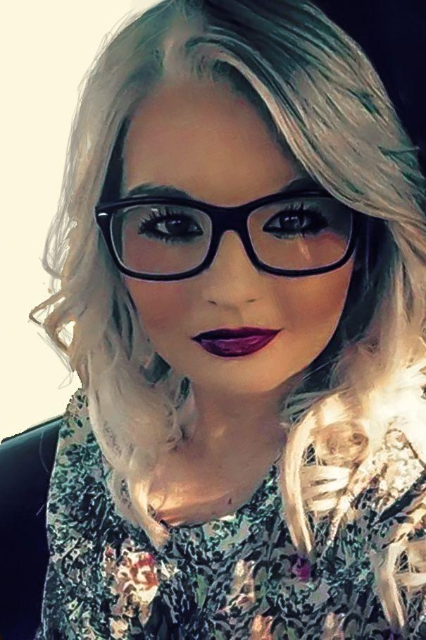 glasses online dating