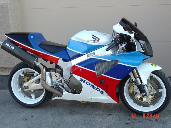 New Paint Scheme Finished For My 04 Rc51 Southwestrides 3 Jpg Honda Sport Bikes Honda Bikes Cruiser Bicycle