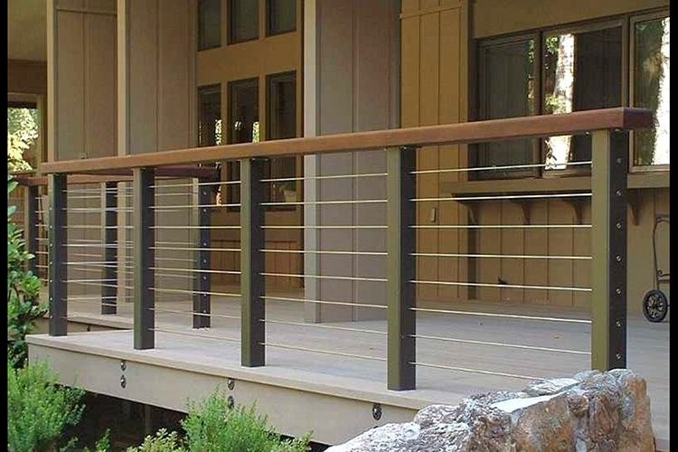 Patio railing ideas modern deck and deck railing ideas for Balustres bois exterieur