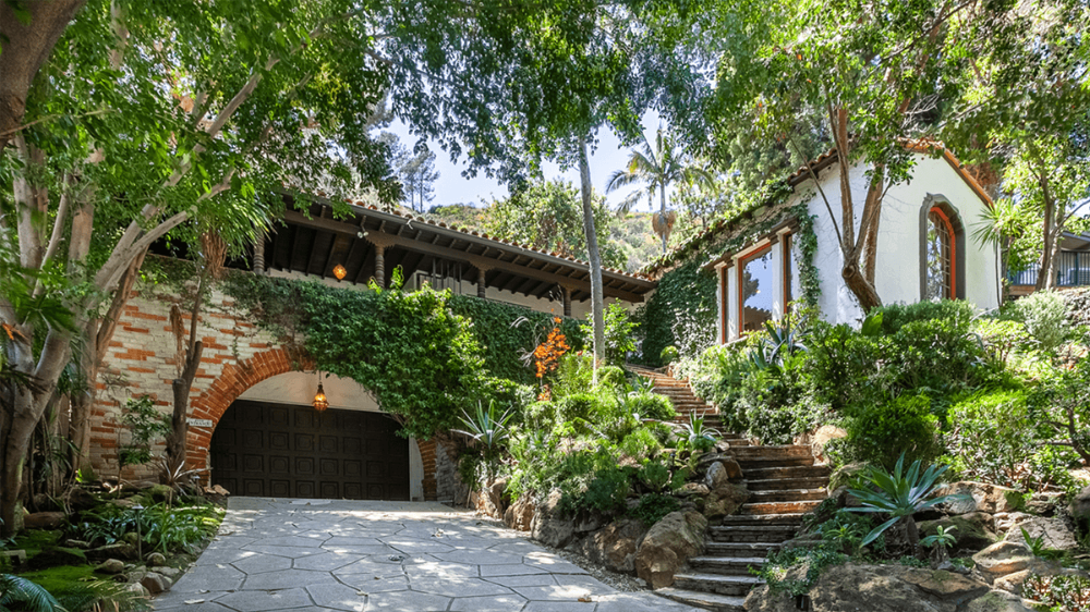 Mid Century Modern Homes And Architecture For Sale In Los Angeles Ca In 2020 Mid Century Modern House Spanish House Architecture