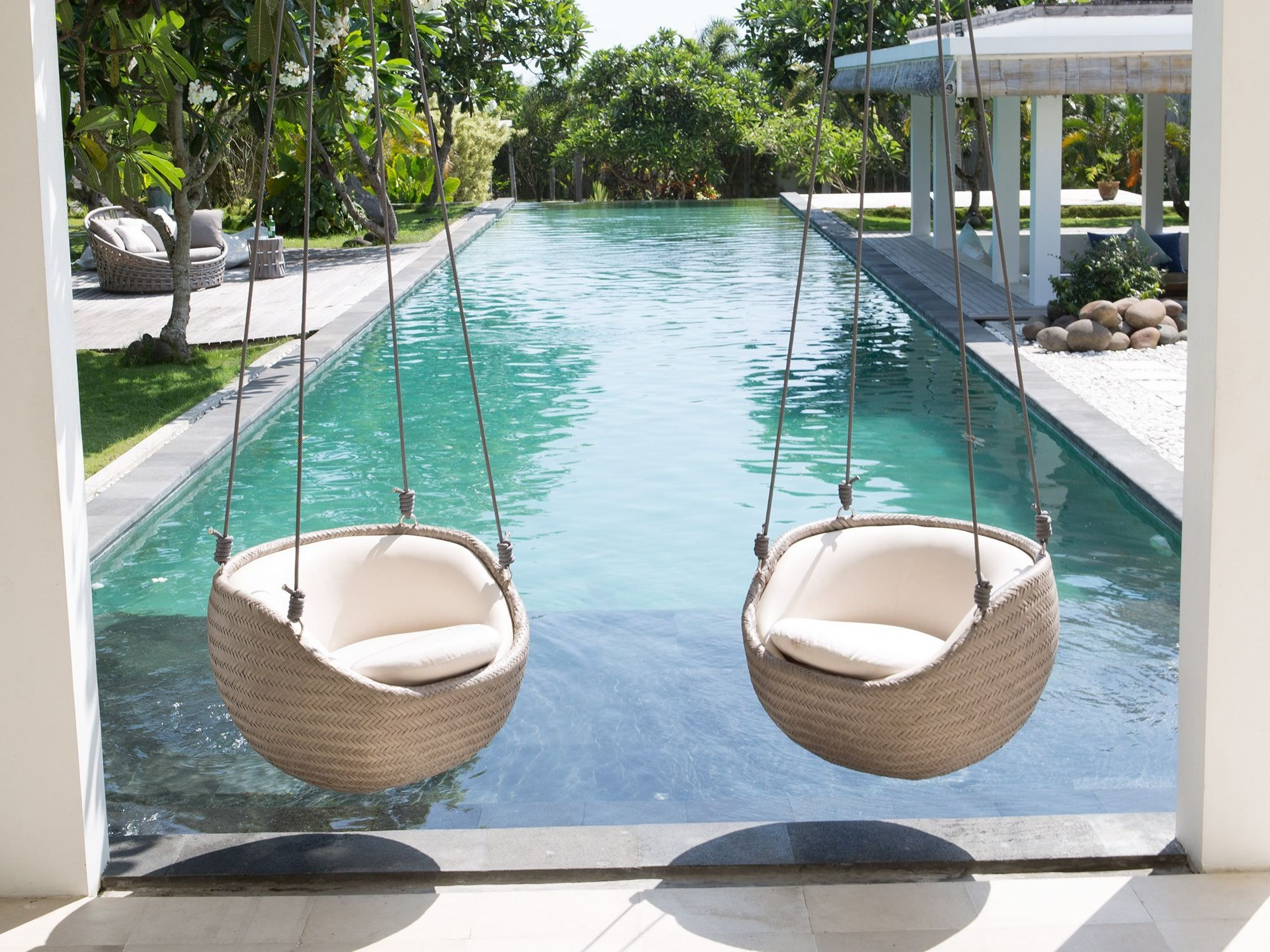 Sill n colgante de jard n hanging chair by skyline design - Sillon colgante jardin ...