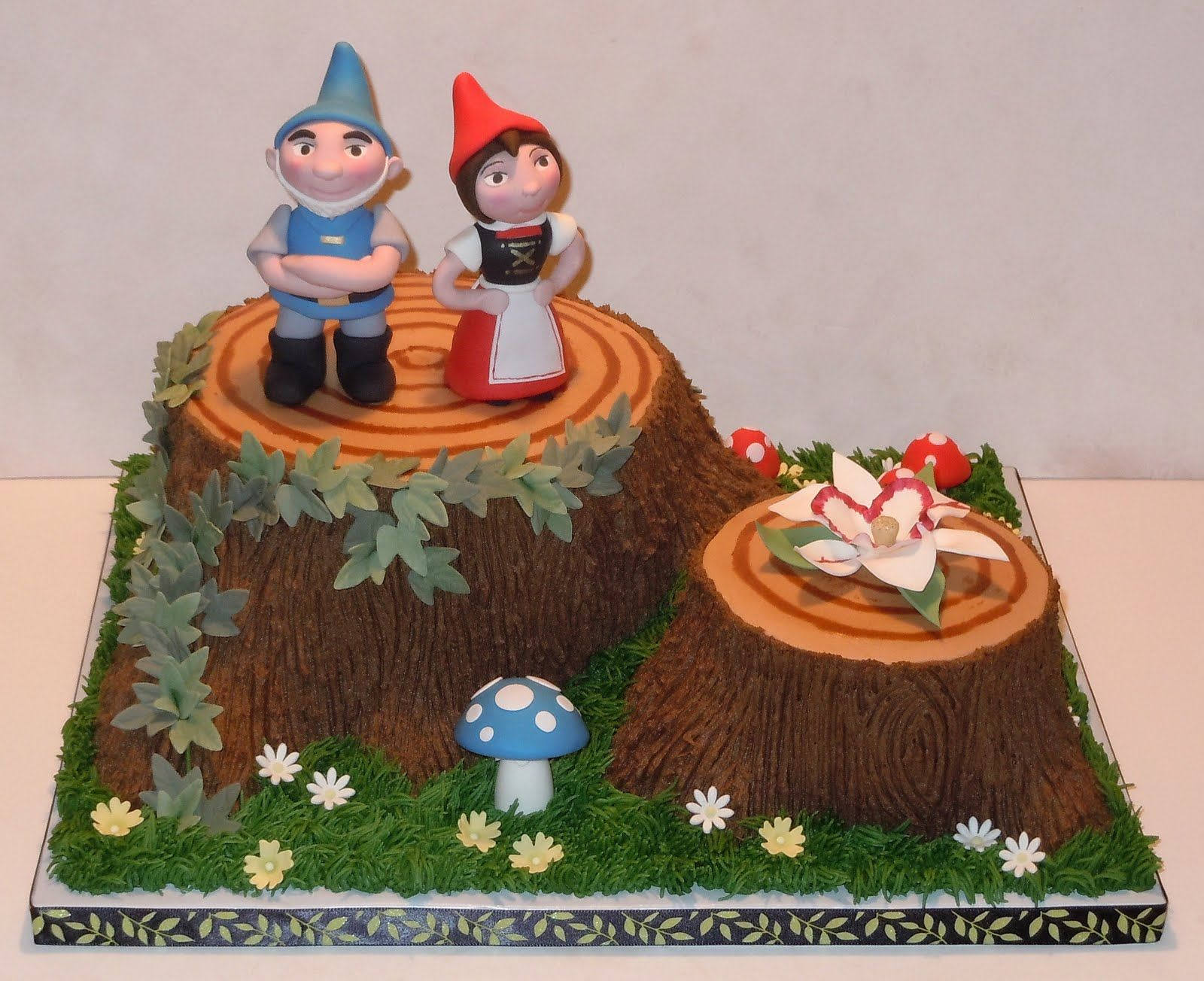 I adore this cake So cute Gnome Party Pinterest Cake Sweet