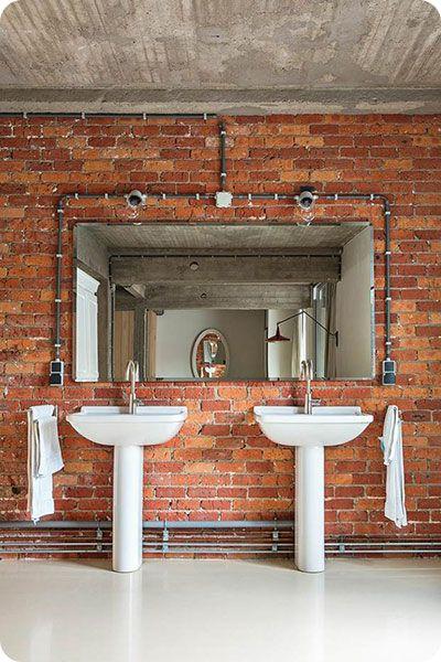 D coration industrielle salle de bains c bles apparents salle de bains pinterest salle de for Salle de bain industrielle