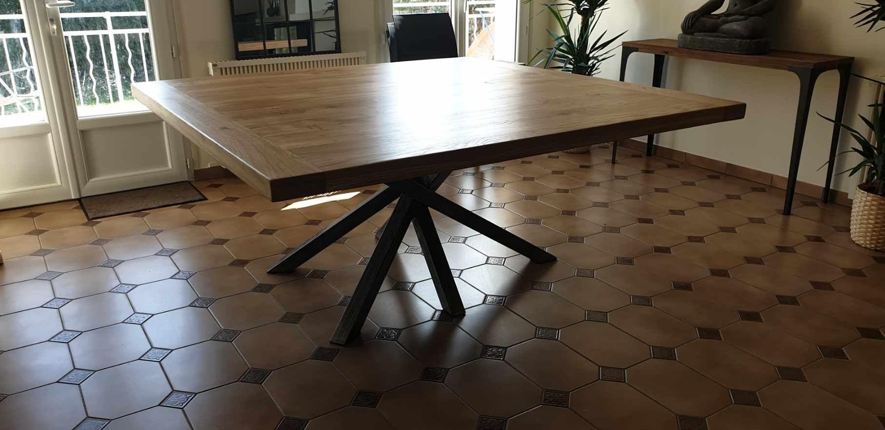 Table Carree Industrielle Sur Mesure De Salle A Manger Design Pied Mikado Salle A Manger Design Table Salle A Manger Salle A Manger Industrielle