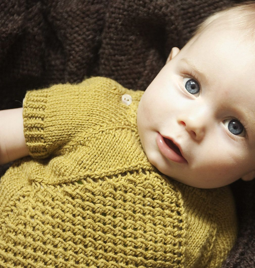 95143c096 Free Knitting Pattern for Morpheus Baby Pullover - This baby ...
