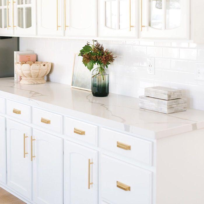 Calacatta Quartz Kitchens: Arizona Tile Nouveau Calacatta