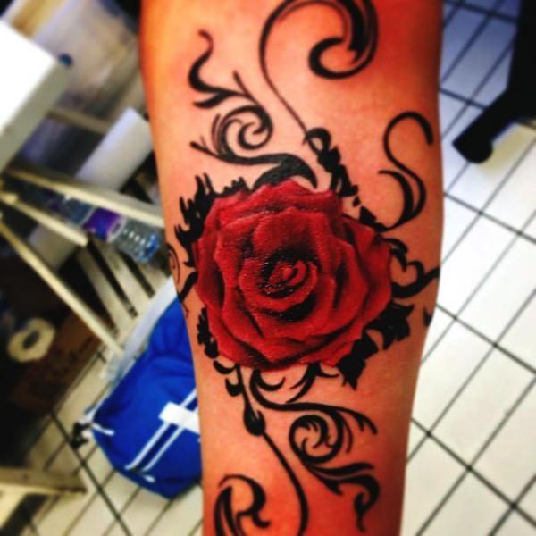 tatouage par blancolo tattoo roses tatouages de rose au. Black Bedroom Furniture Sets. Home Design Ideas