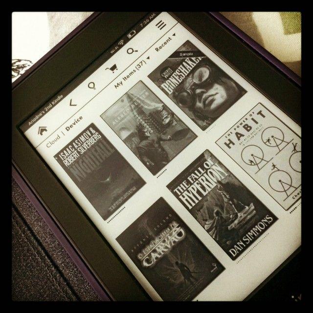 1. Meus livros #desafiodefotosvo #kindle #books #device #readings