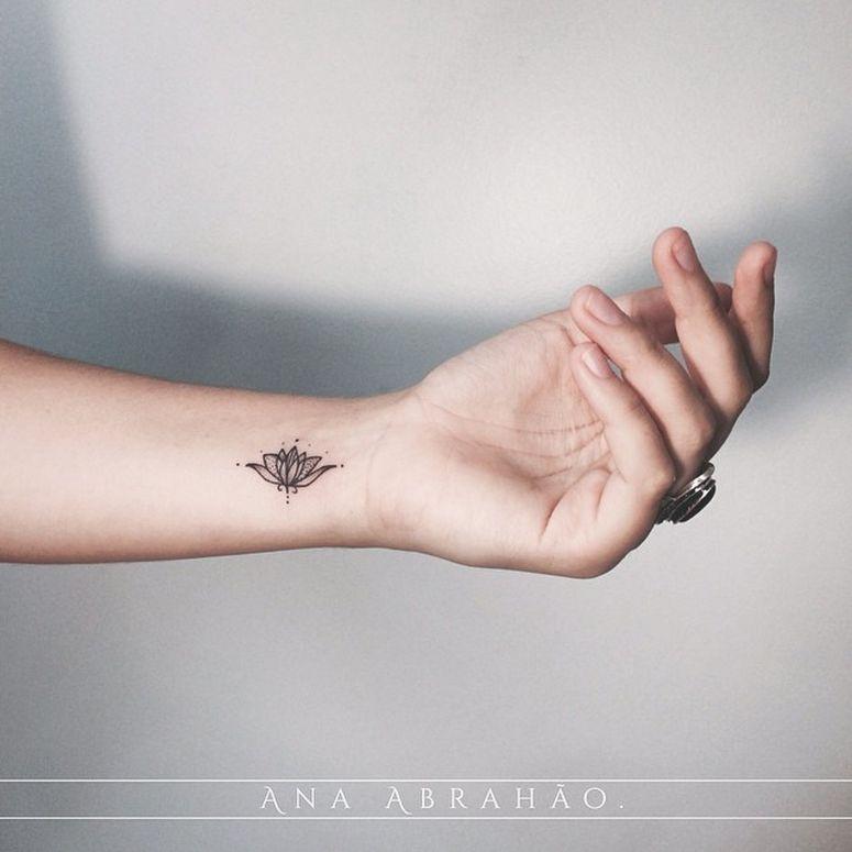 Petite Fleur De Lotus Tatouage Pinterest Tatuajes Mariposa