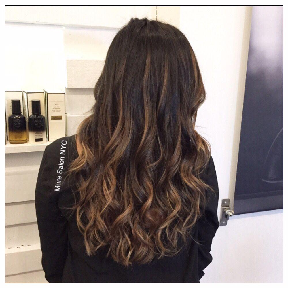 Honey Color Balayage Done By Jessica Best Salon In Nyc On Instagram Muresalon Yelp Nyc Hair Salon Caramel Balayage Balayage