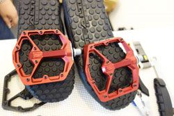 Best Mountain Bike Pedals >> Top 9 Best Mountain Bike Shoes For Flat Clipless Pedals
