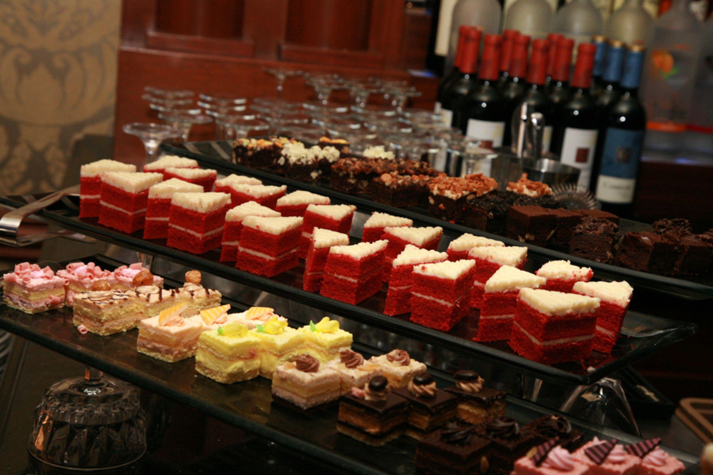Our Venetian Hour- Dessert Table | My Wedding | Pinterest | Dessert ...
