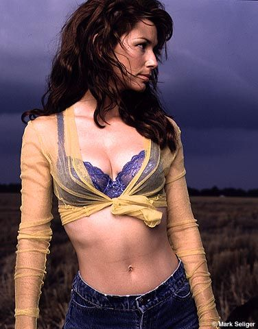 Shania Twain's Belly Button By Celebrity Buttons
