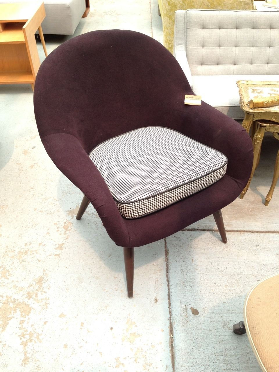Best Mid Century Modern Black And White Chairs With Images 400 x 300