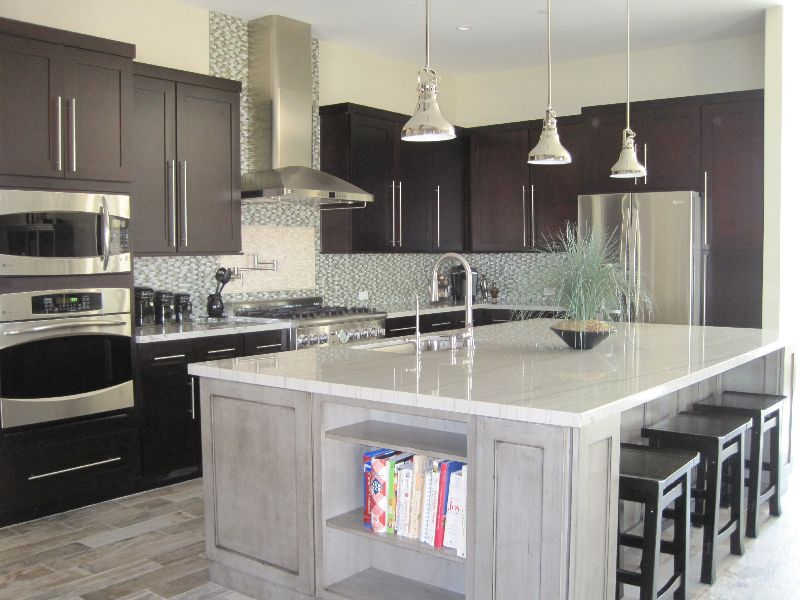Sparkly Granite Kitchen Countertops White Granite Kitchen Countertops Color  Design Idea So The Island Is Amazing, But Iu0027d Want The Range On There.