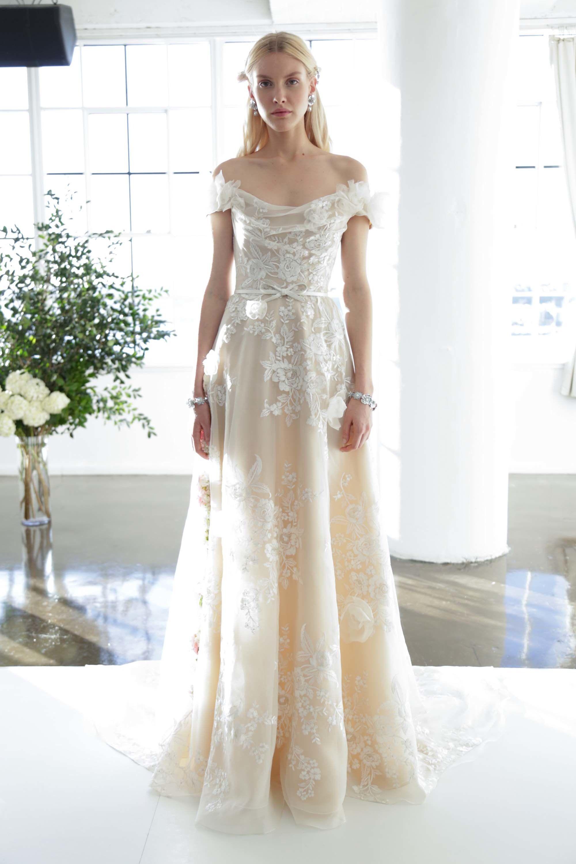 Marchesa Bridal Fall 2017 Fashion Show | Pinterest | Hochzeitskleider