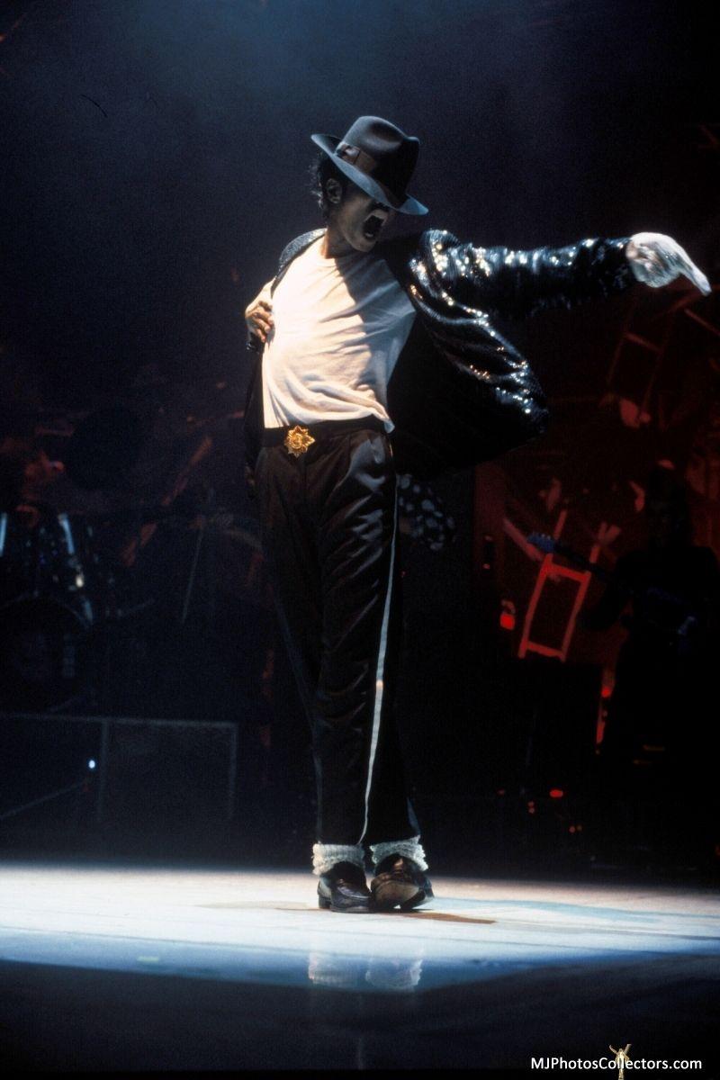 Mj S Bad Tour Pictures Michael Jackson Dance Michael Jackson