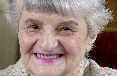 Speváčka Melánia Olláryová Speváčka Melánia Olláryová sa narodila 8. augusta 1928 v Nových Zámkoch. Spievať začala Melánia Olláryová, keď mala dva roky. ...