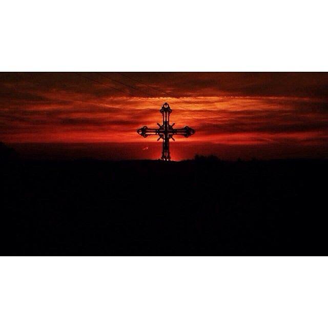 Lot, France. #noedit #nofilter #16x9 #sunset #sunrise #france #landscape #clouds #sun #amazing #summer #schöne #licht #light #nature #cross #fields #view #christianity #church #countryside #dorf / http://www.contactchristians.com/lot-france-noedit-nofilter-16x9-sunset-sunrise-france-landscape-clouds-sun-amazing-summer-schone-licht-light-nature-cross-fields-view-christianity-church-countryside-dorf/