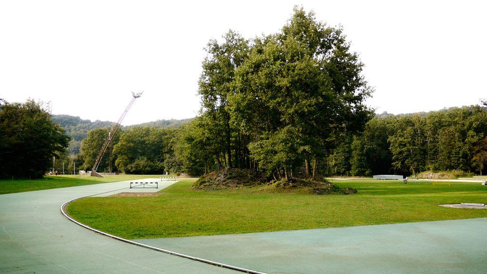 RCR Arquitectes ||  Estadio de Atletismo Tussols - Basil y Pabellón 2x1 (Olot, Girona, España) || 2001