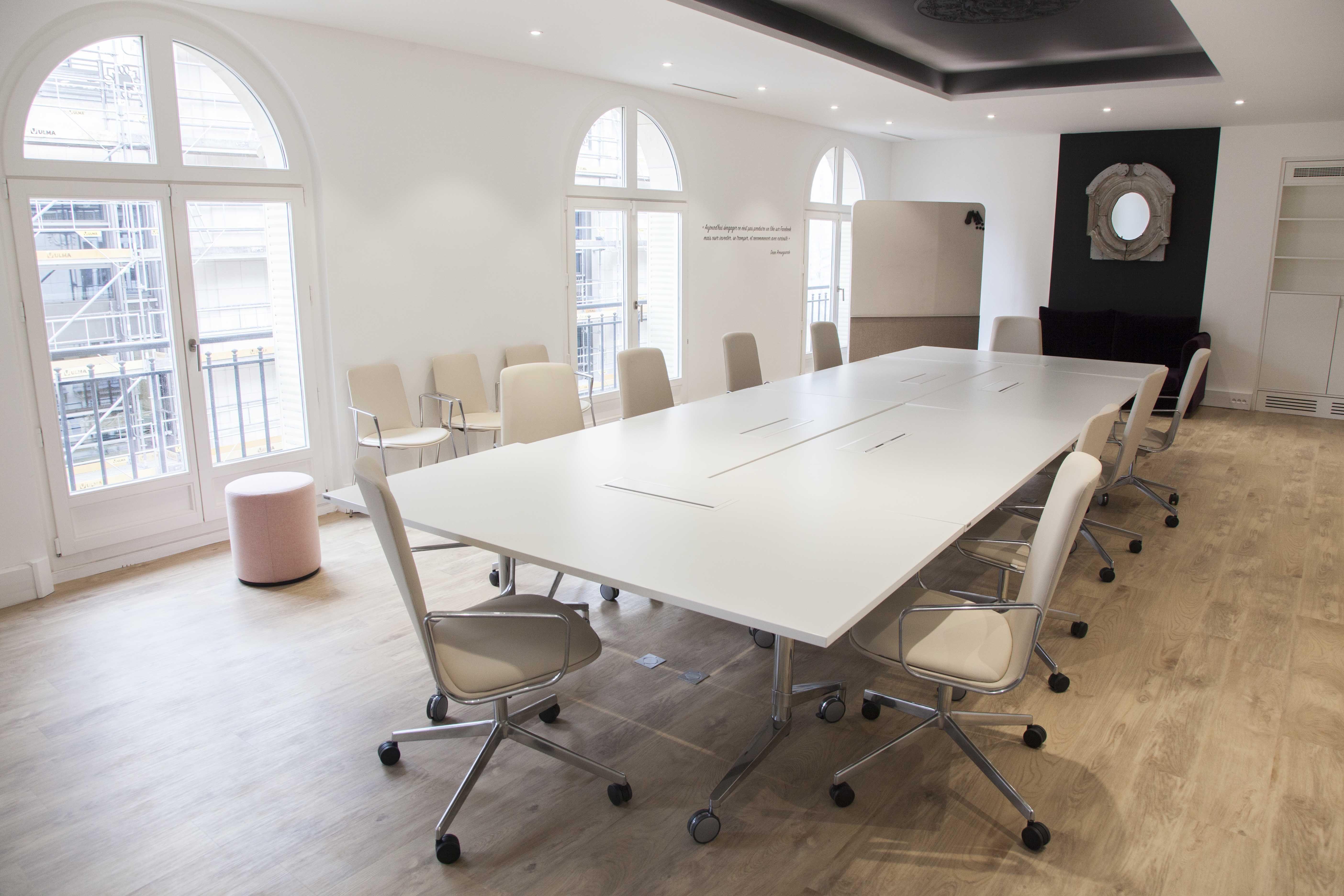 Epingle Par Moore Sur Les Nouveaux Heritiers Mobilier Design Amenagement D Espace Decoration Maison