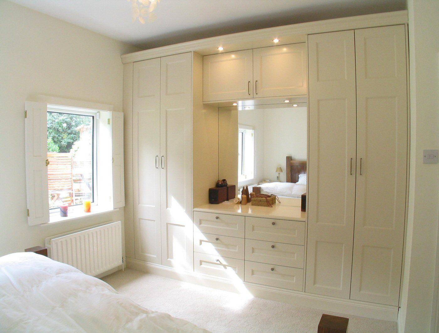 فكرة دولاب ملابس مع تسريحة المرسال Bedroom Decor Design Bedroom Closet Design Master Bedroom Wardrobe Designs