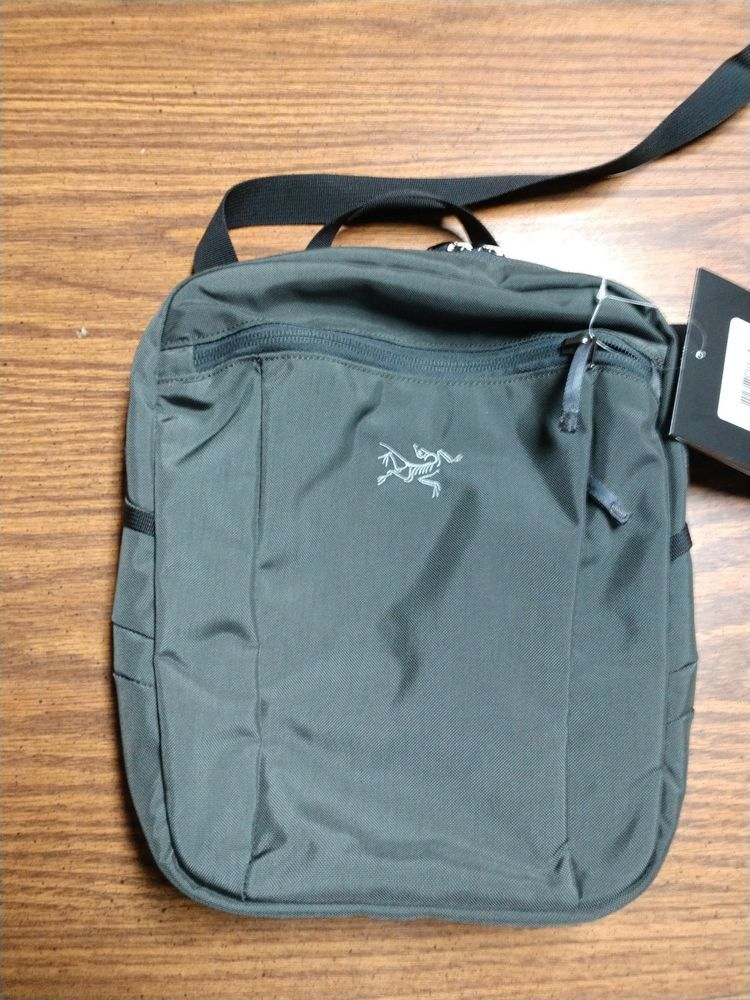57eeb1b02836 Arc Teryx Men s Slingblade 4 PILOT Shoulder Bag NEW WITH TAGS!  fashion   clothing  shoes  accessories  mensaccessories  bags (ebay link)