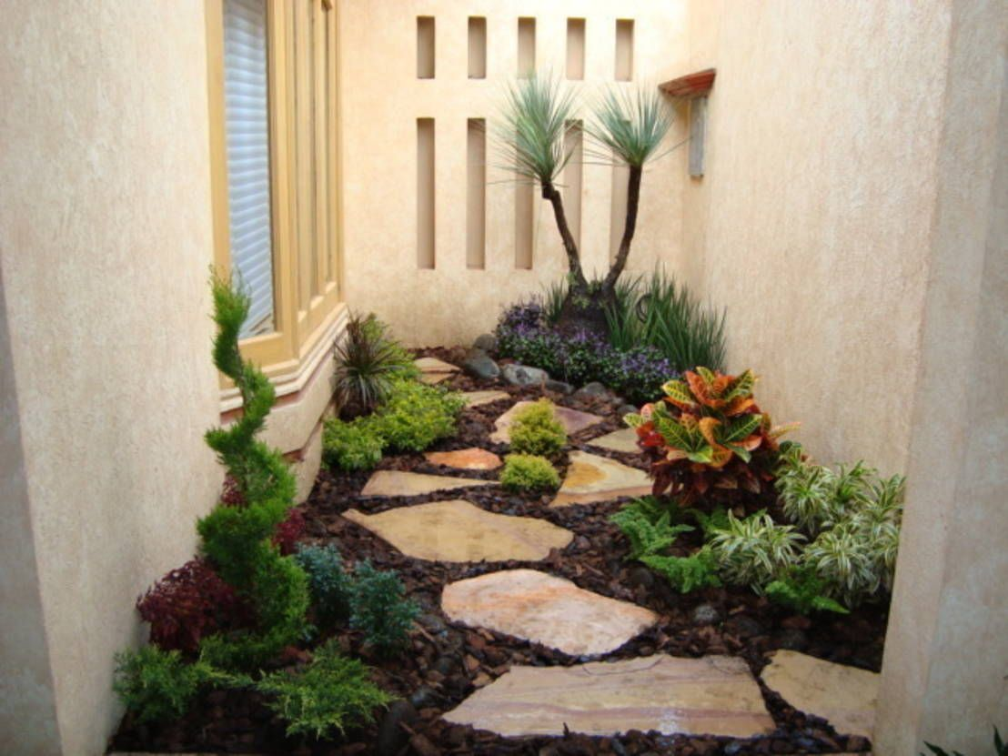 8 dise os de patios peque os patios gardens and garden for Decoracion de jardines con piedras