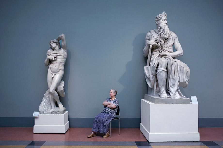 """""""The Art of Guarding Art: Russia's Lady Museum Guards"""", project by Andy Freeberg"""