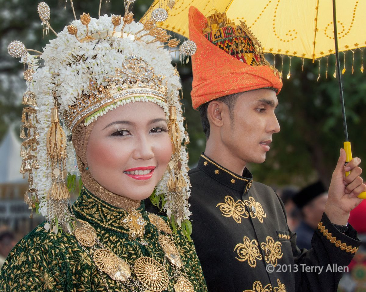 Portrait Of An Acehnese Couple In Traditional Dress Banda Aceh