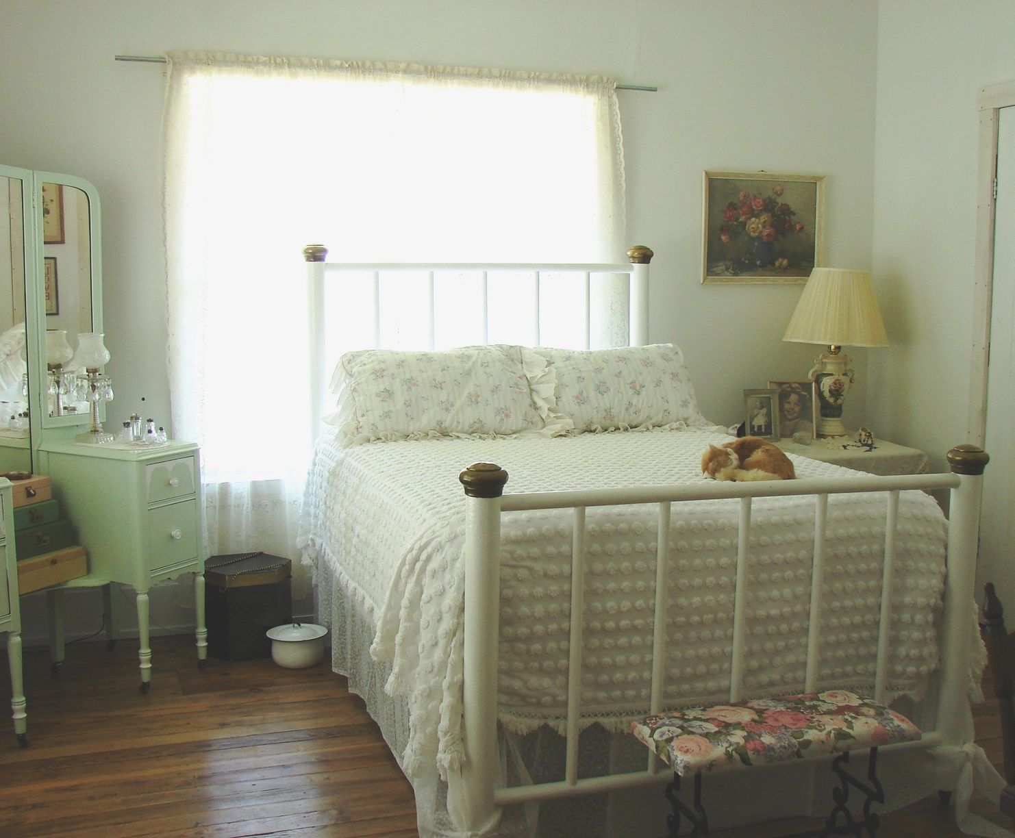 Room This country farmhouse bedroom by