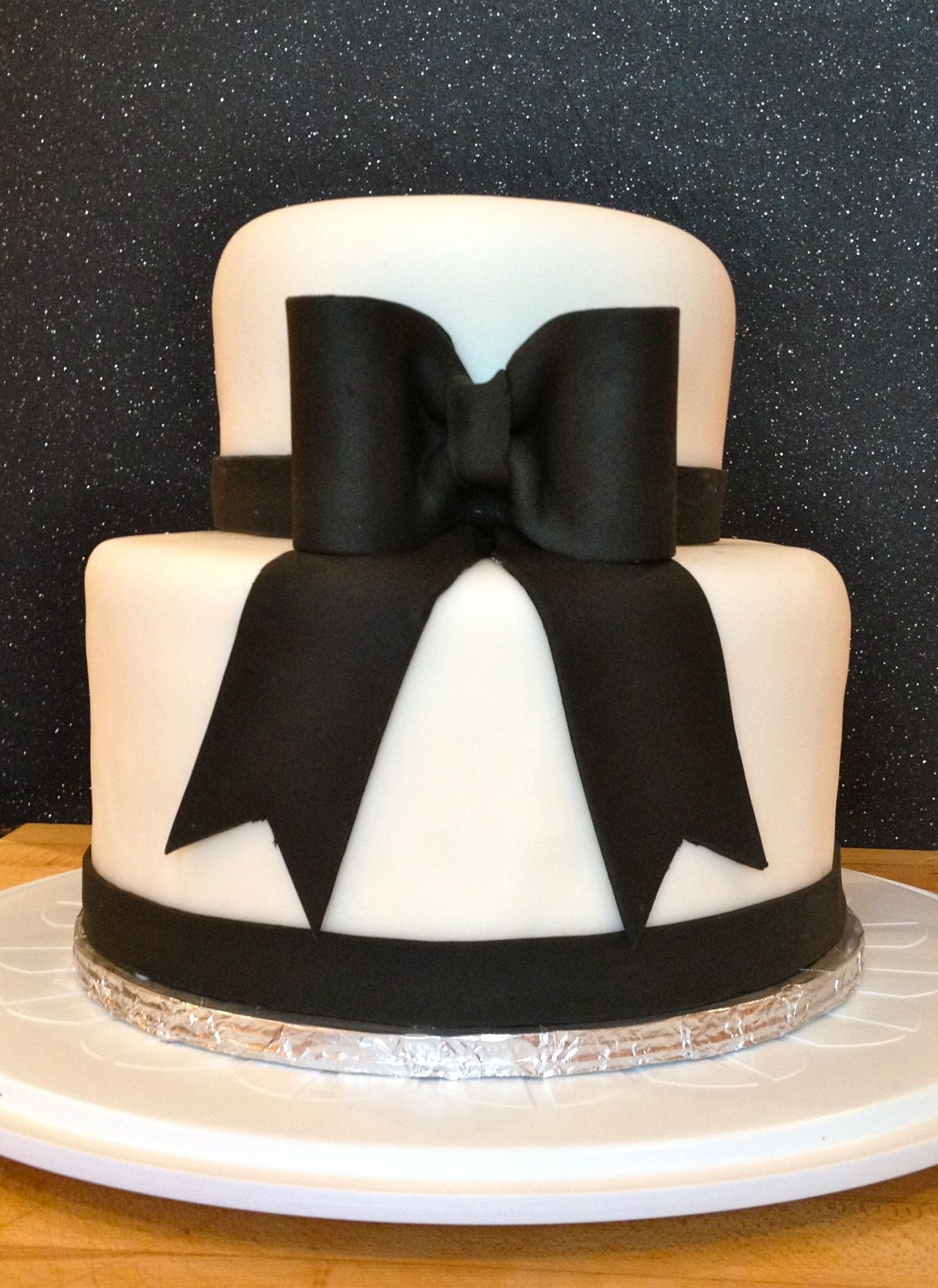 Small Black And White Wedding Cake This Cake Made Its Debut At A