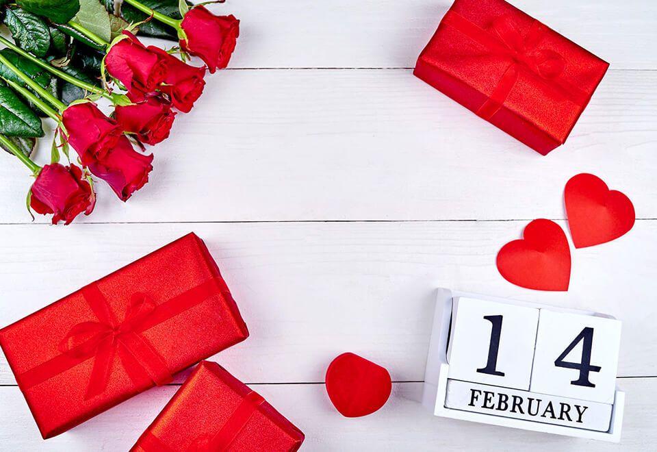 6 نصائح للحصول على زهور عيد الحب بأفضل سعر ممكن Gifts Gift Wrapping Flowers Bouquet