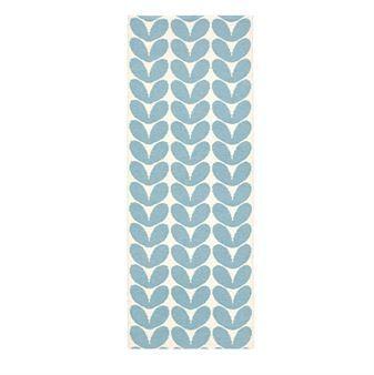 karin ist ein behaglicher plastikteppich von brita sweden. Black Bedroom Furniture Sets. Home Design Ideas