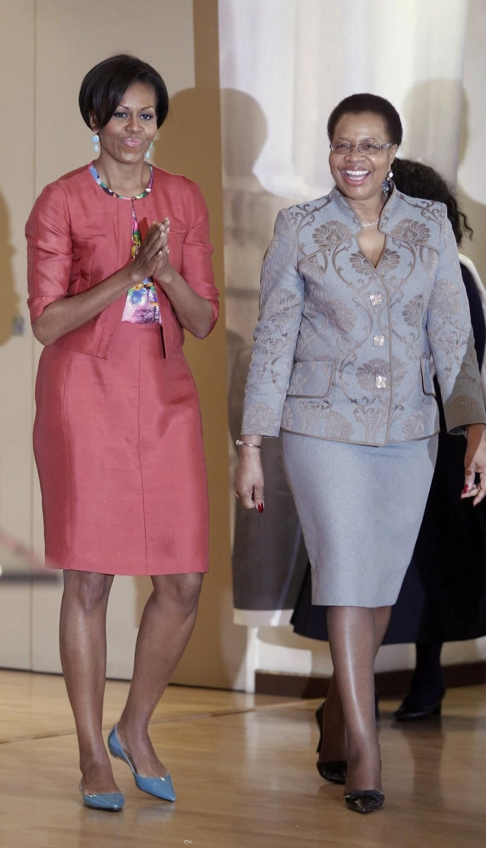 Obama's wife, Michelle Obama and Graca Machel, Nelson  Mandela's wife. First Ladies with First-Class Hearts. Michelle Obama and Graca Machel are so empowering.