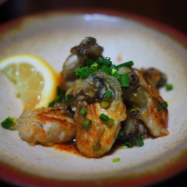 牡蠣好きにオススメ!!カリッと焼き上げた牡蠣をじっくり煮詰めた旨ポン酢ダレで頂く大人の味。←長。 LIMIA (リミア)
