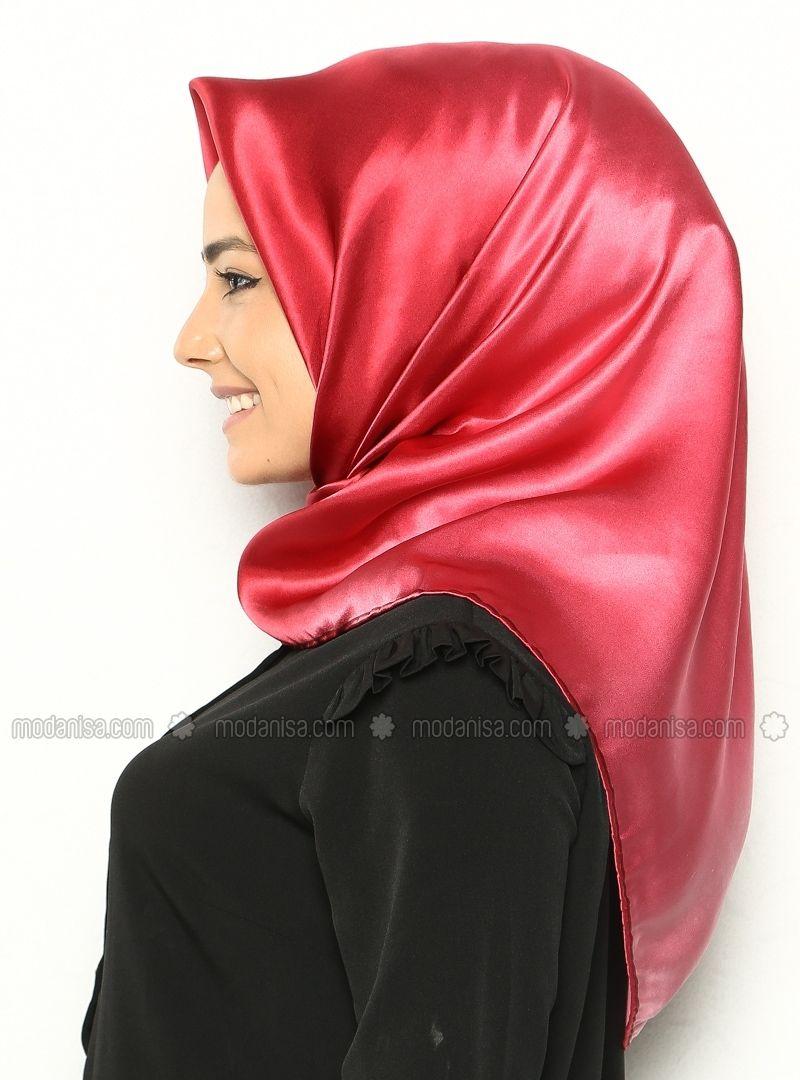 Foulards Rouges, Foulards De Soie, Satin De Soie, Mode Hijab 3b9b441413a