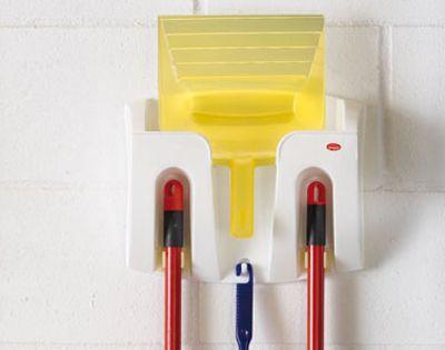 Salvaspazio Cucina Dmail : Organizzatore per scopa paletta e spazzolone dmail salvaspazio