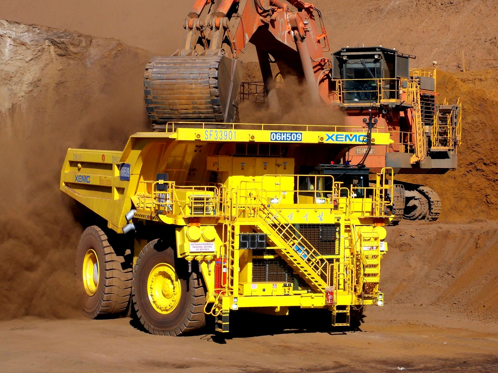 XEMC SF33901 construction dumptruck e Dump trucks