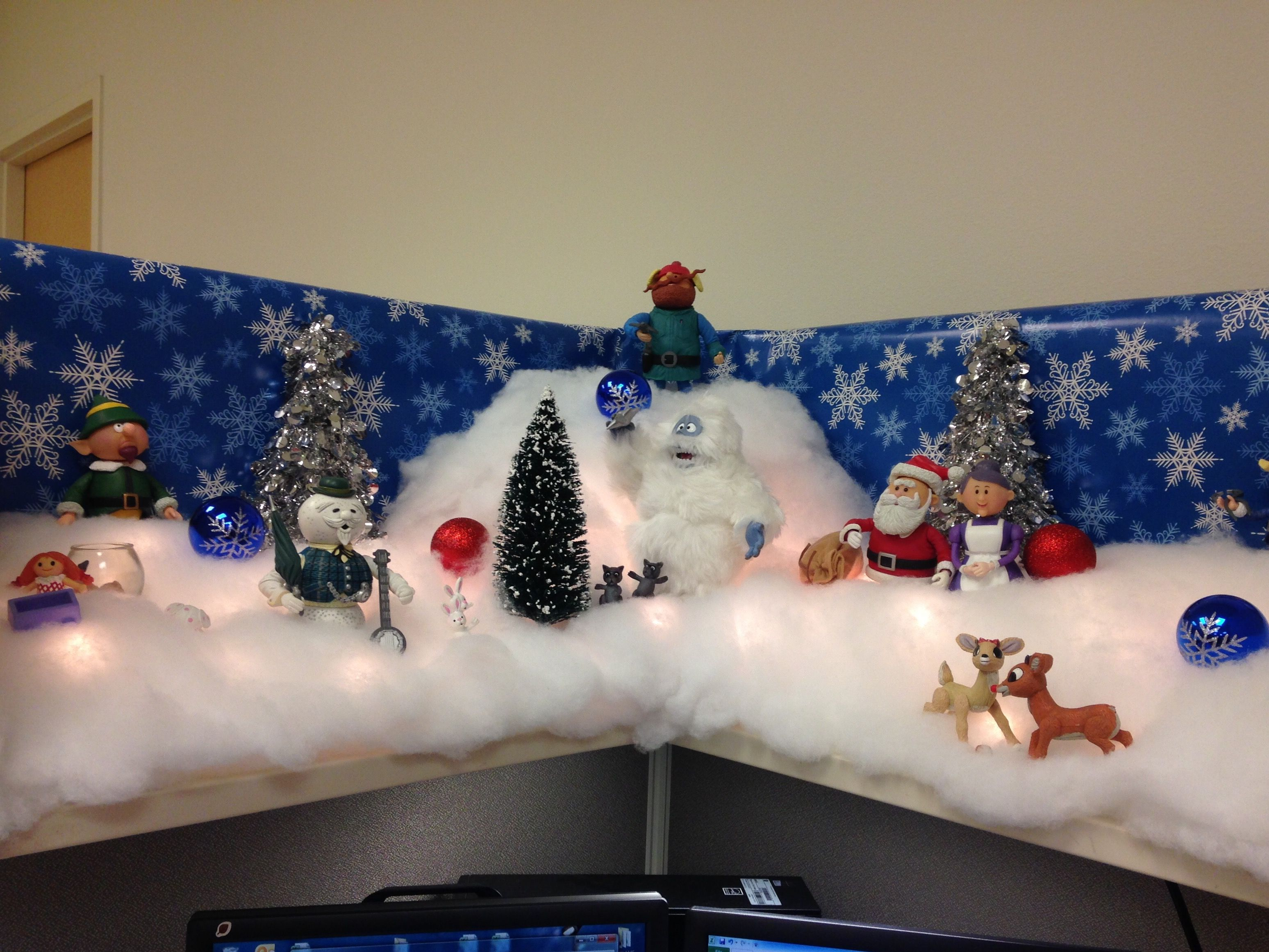 Christmas Cubicle Decor Rudolph And Friends 2018 Office