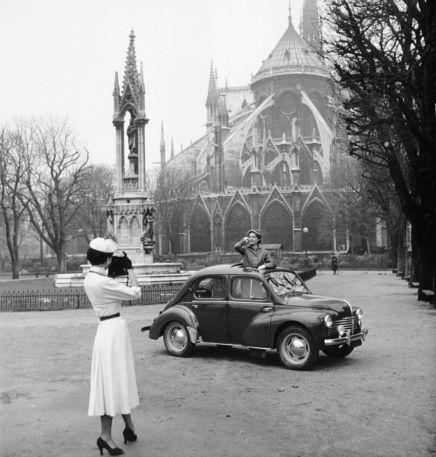 L'automobile et la mode en 1950 · Renault 4Antique PhotosVintage ...