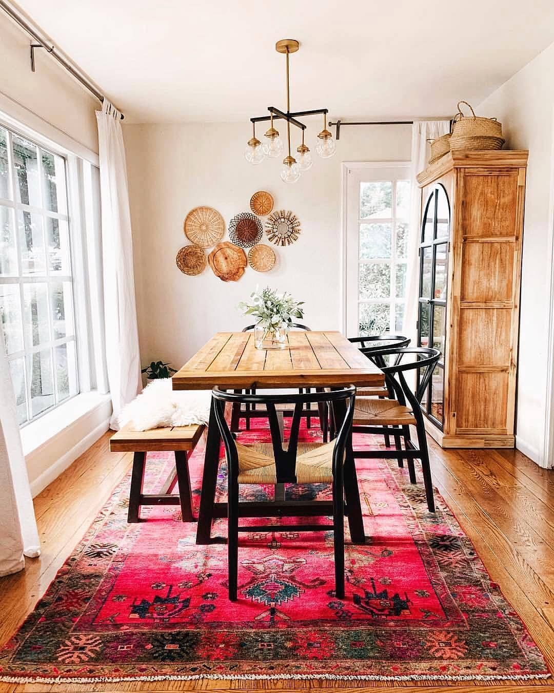 """Casual Dining Rooms Decorating Ideas For A Soothing Interior: Bohemian Fashion On Instagram: """"Credit:- @design_iideas ️"""